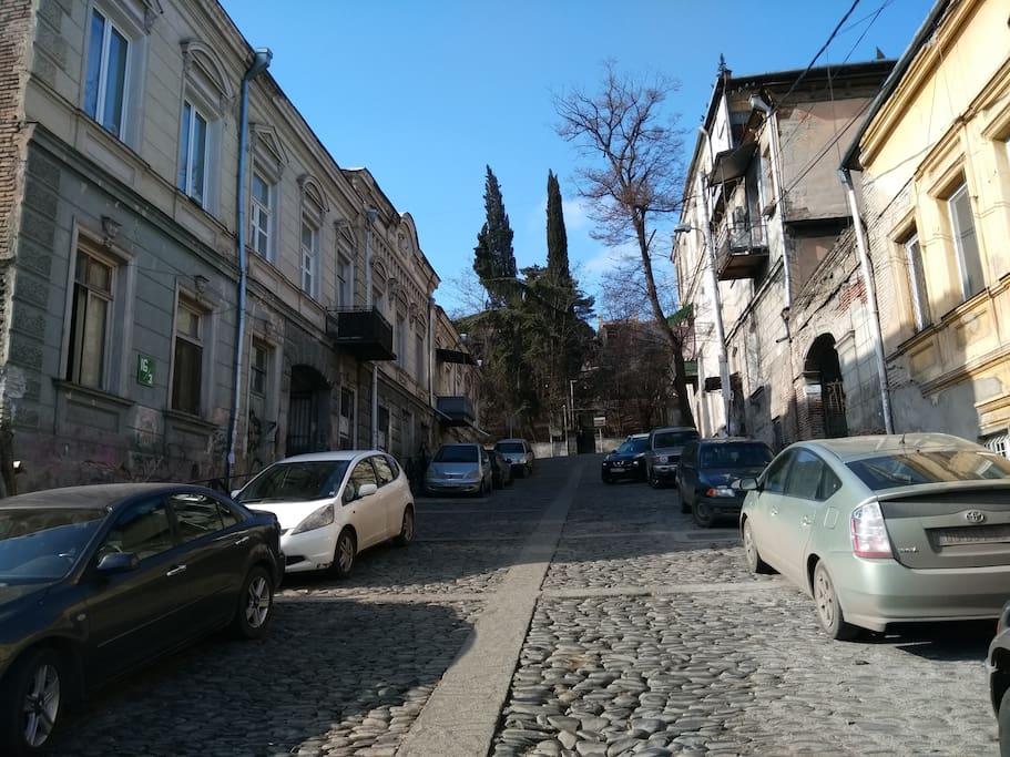 Giga Lortkipanidze str 16/3 (Previous name of the street Lermontovi str. 26/3)