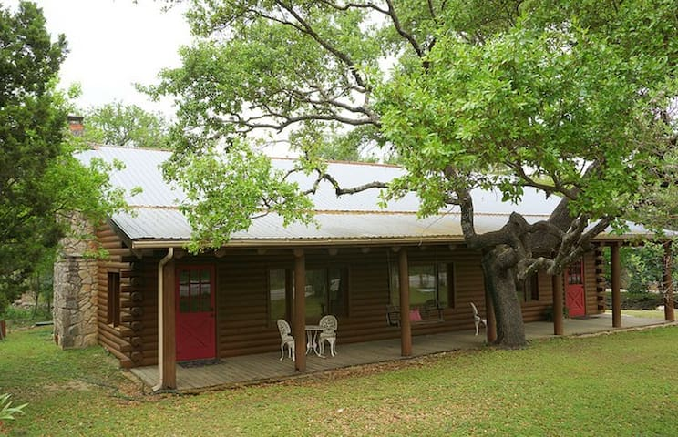 Wimberley Log Cabins Resort and Suited- Unit 4
