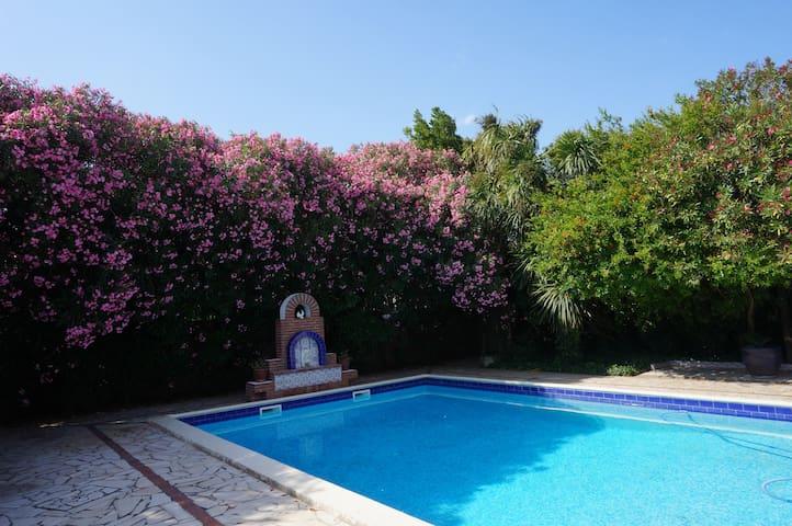 Villa style andalouse 200 m2 piscine 5min plage - Saint-Nazaire - Villa