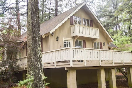 Lakeside chalet, very nice - Pine Mountain - Hus