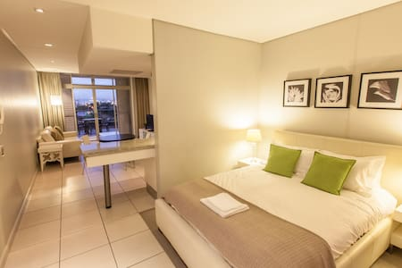 Executive Apartment in Cape Town - Apartment
