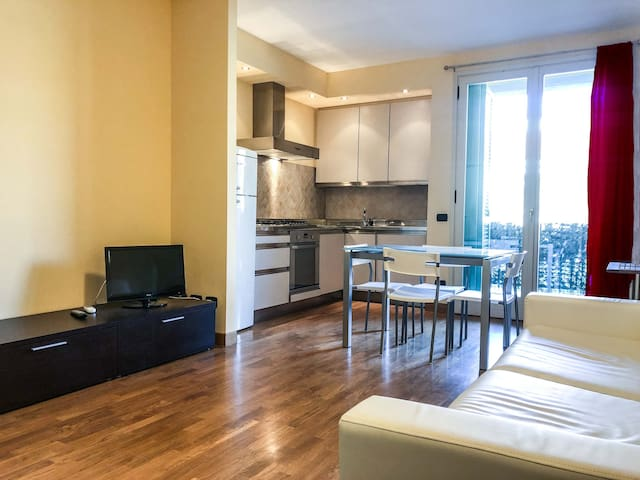 Pietrasanta Apartment - Art, marble and fun