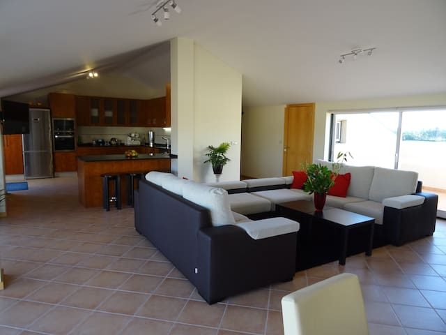 The Village Penthouse - Sangalhos