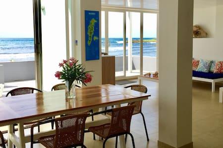 "Amazing ocean view  ""PARAISO""    at Casa Corales"