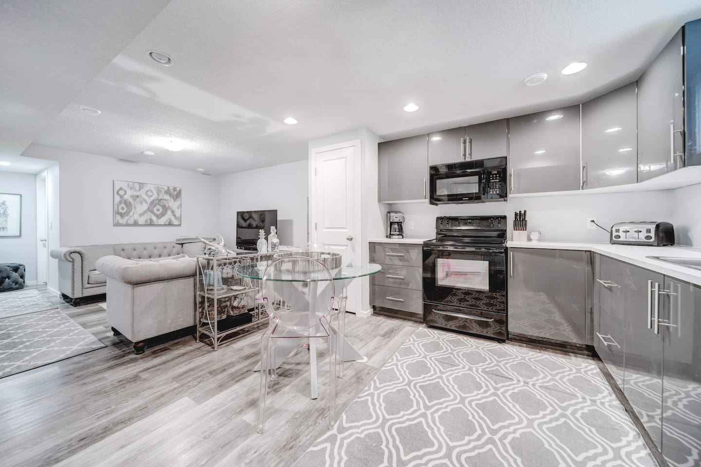 This newly renovated basement suite is decorated with modern décor and high end finishing's.