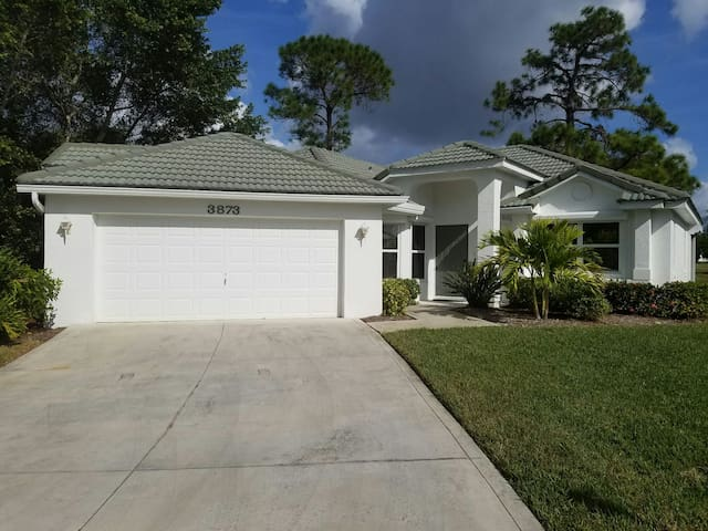 Beautiful House in Gated Burnt Store Marina - Punta Gorda