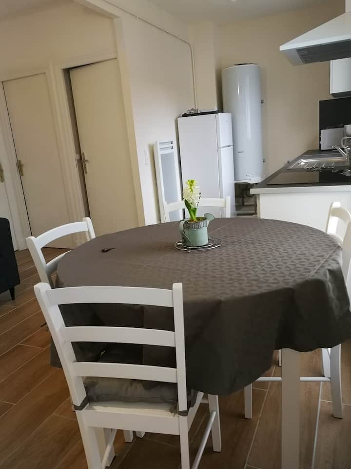 Appartement T4 neuf lumineux, centre ville - wi-fi