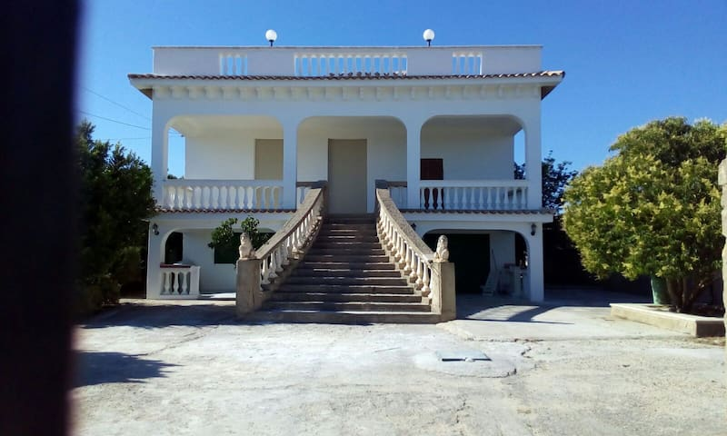 Villa immersa nelle campagne Agrigentine - อากริเจนโต - วิลล่า