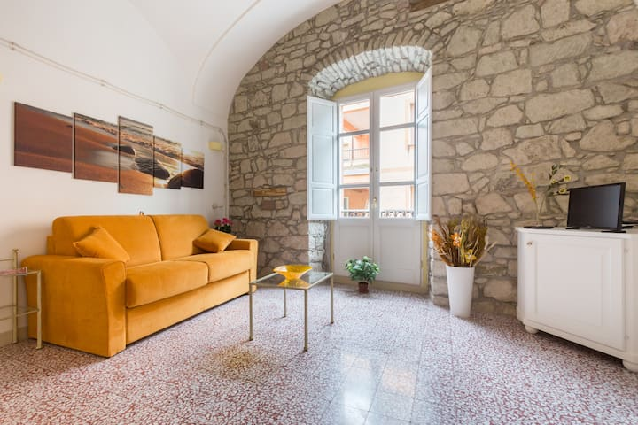 Bosa Borgo Accommodation Sand - Bosa - Apartamento