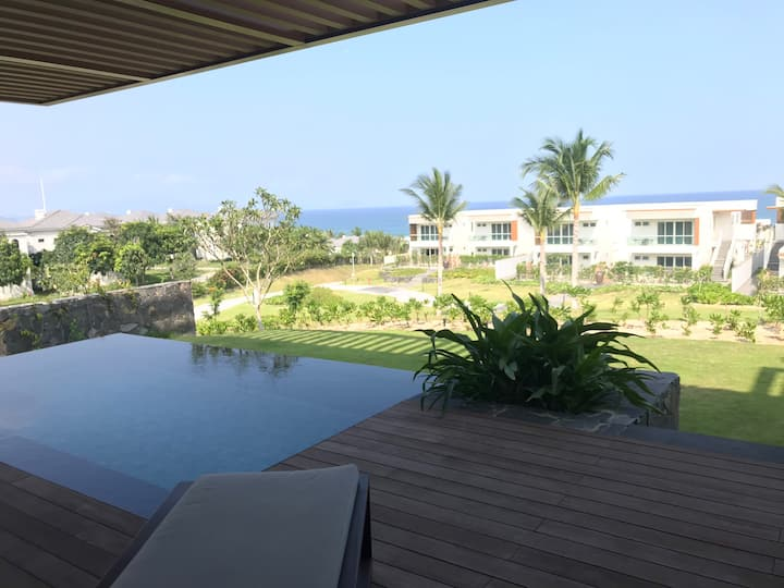 VILLA PRIVATE POOL SONG NHI 1