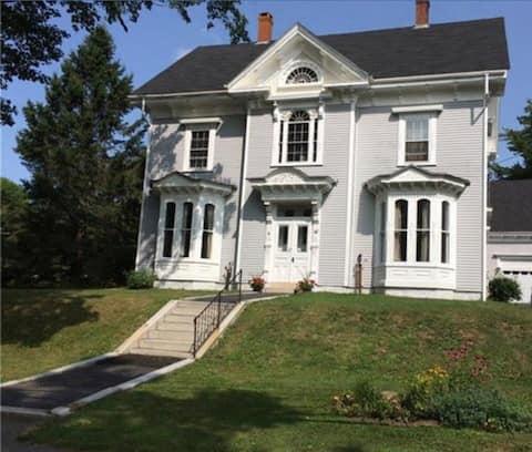 Apt #3 Captain Jacob's Victorian Residence