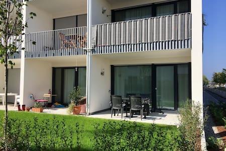 Moderne 2-Zimmer Whg. mit Terrasse - Wohnung