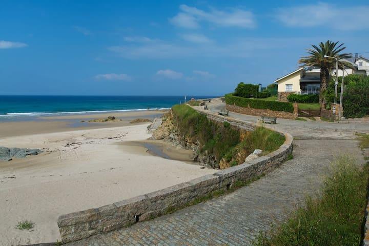 Casa Playa Fontela. Pasión por el mar.