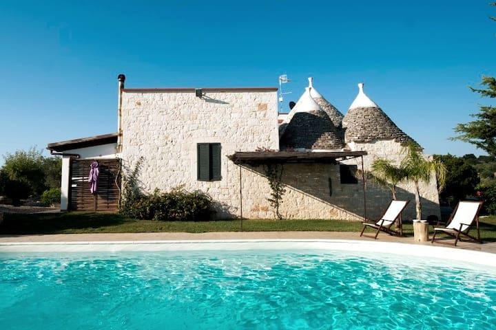 Trulli & pool