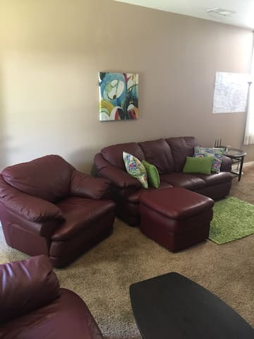 Cozy home in the heart of Evansville Entire House