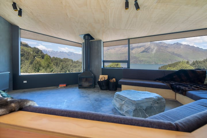 Bivvy House- Chic & Cozy  w/King Beds & Lake Views