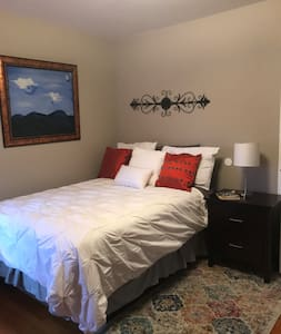Cozy Room close to Woodbury Common and West Point