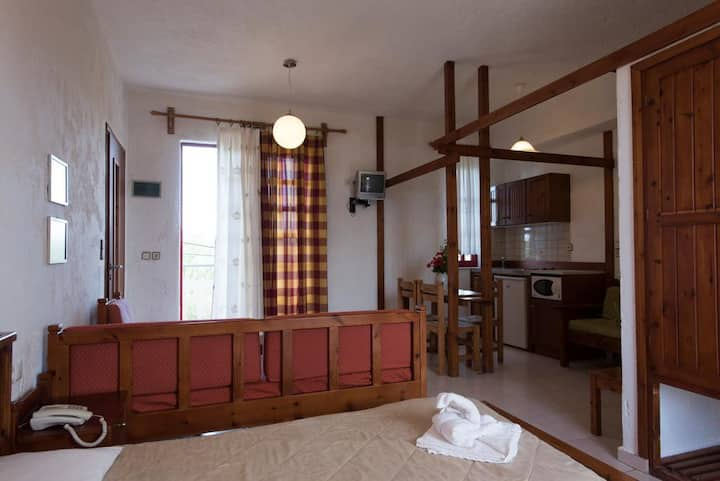 A quiet peaceful and very relaxing twin bed studio