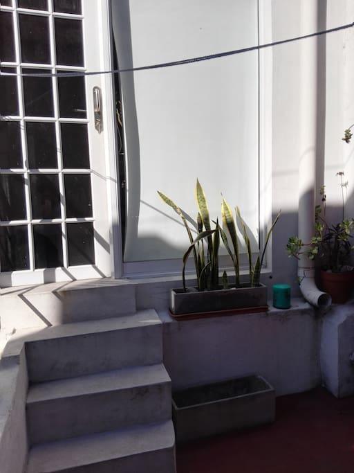 Acceso a la habitación privada desde la terraza