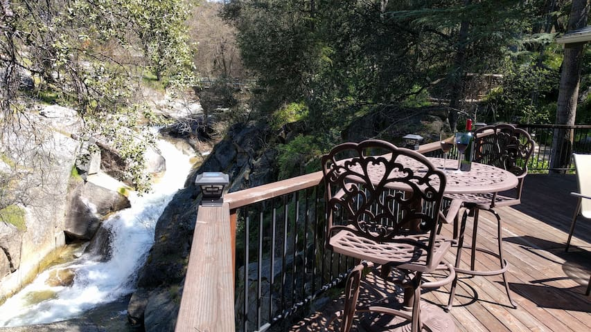 Waterfalls home near Yosemite - Oakhurst - Casa