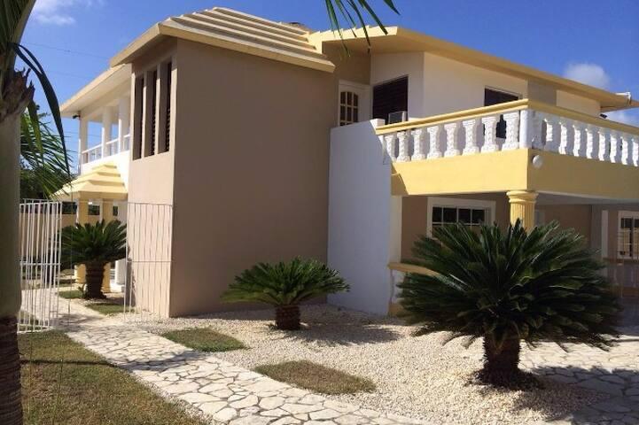 Maison privée dans superbe villa avec piscine - Santo Domingo Este - Villa