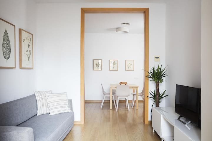 Cute 1 bedroom apartment in Eixample with balcony