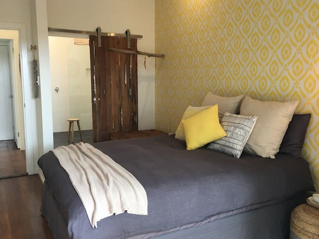 Longboard suite and private ensuite