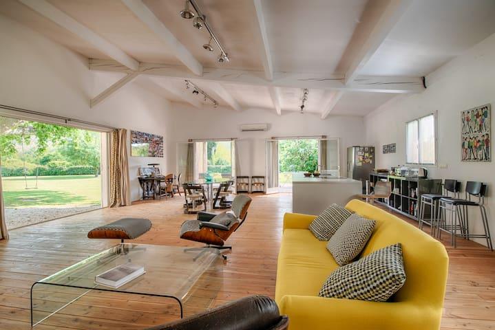 Villa loft champêtre de 180 M2 à 5 mn du centre...