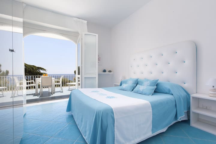 "VILLA CALU' - ""Sorrento"" apartment with sea view"