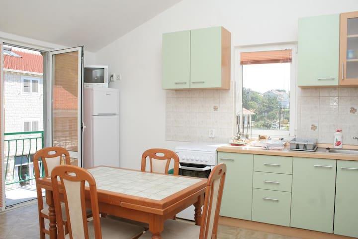 One bedroom apartment with balcony Trpanj, Pelješac (A-4510-a)