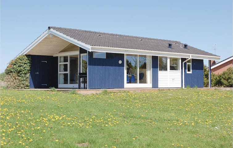 Holiday cottage with 2 bedrooms on 64m² in Knebel