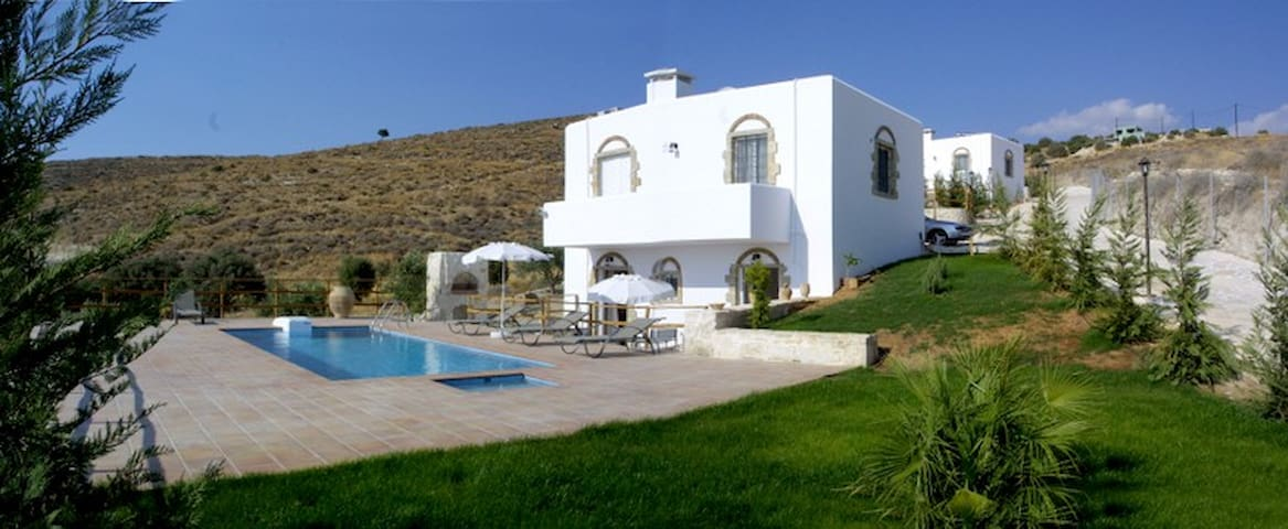 Villa for 6 close Phaestos - Kalamaki - Hus