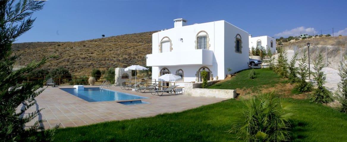 Villa for 6 close Phaestos - Kalamaki - Huis