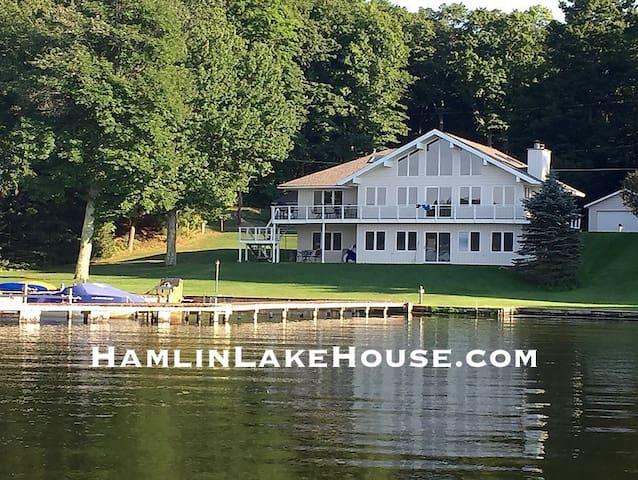 Fun Gatherings on Hamlin Lakefront!   Sleeps 12!