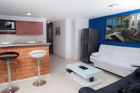 Brand New Studio close to Metro and Shops - Lakás