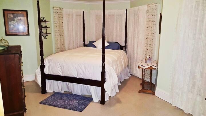 Serenity Room Queen Size Bed