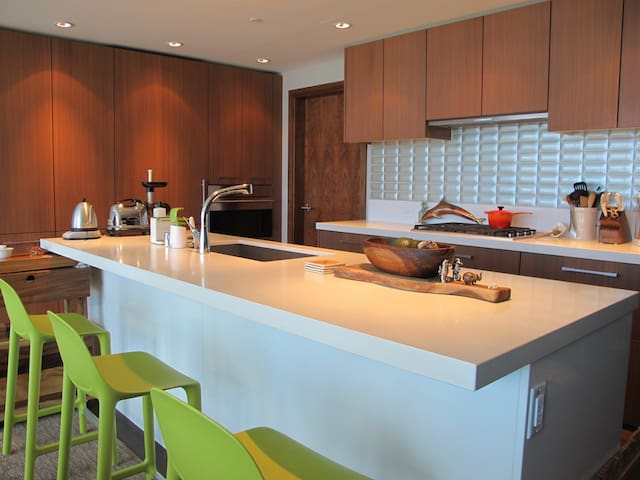 Island kitchen with entirely open set up for easy entertaining.