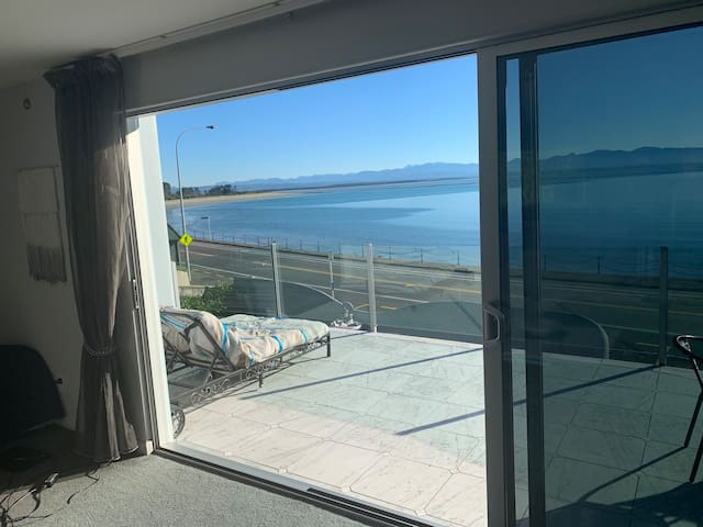 Seaside Paradise Luxury Apartment