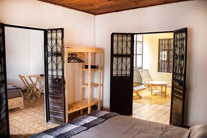 KJUASKY Suite cuádruple (2 hab+baño) En Guadalupe