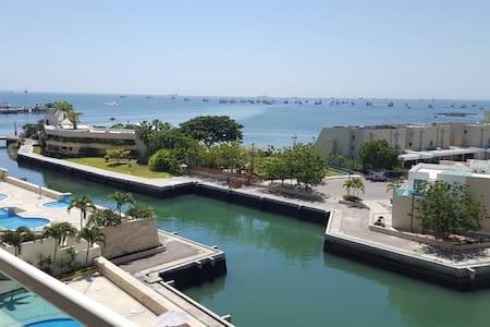 Salinas frente al mar, precioso departamento - ラリベルタド - アパート