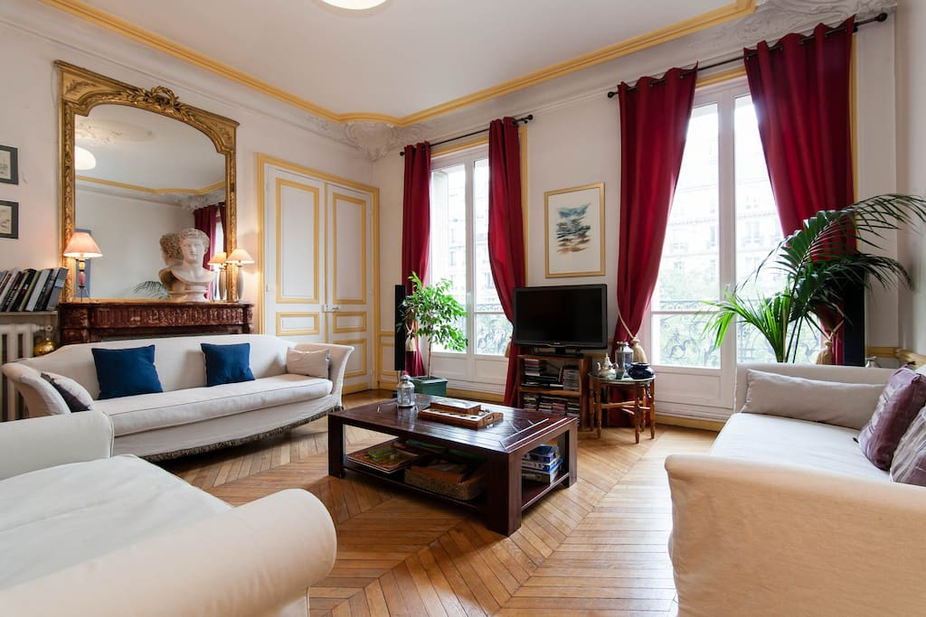 A living room with a Parisian atmosphere and design