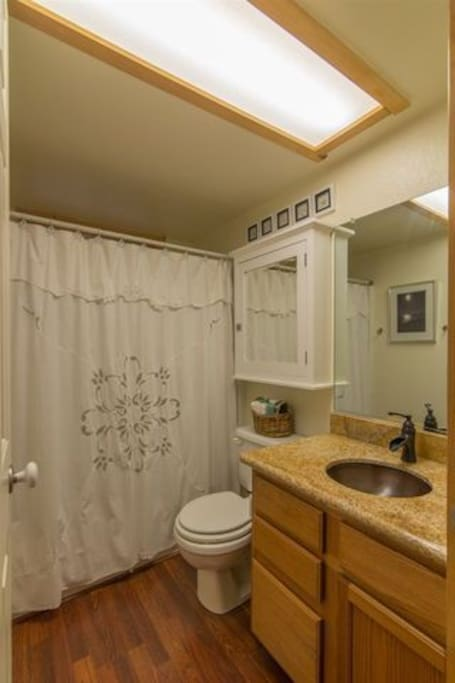 Main-floor bathroom shared by two bedrooms