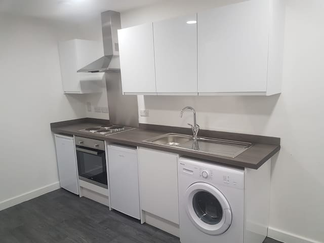 Cheap and Cheerful room in Bradford (ensuite)