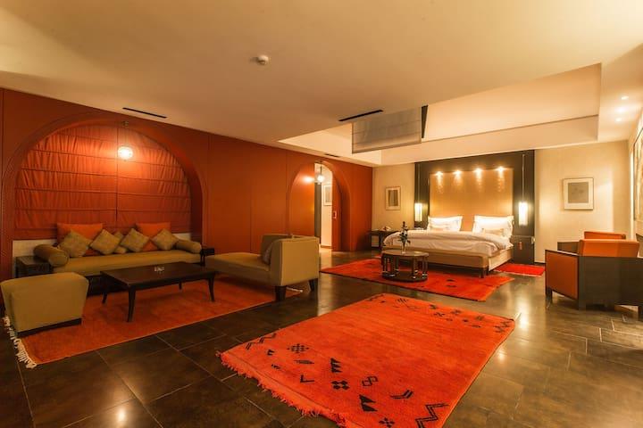 Suite de luxe 118m² terrasse avec vue piscine 10