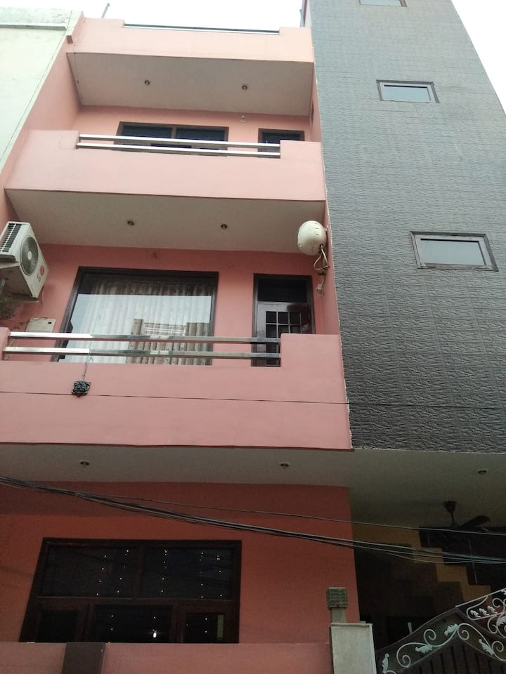 Lavish Home Studio Apartment