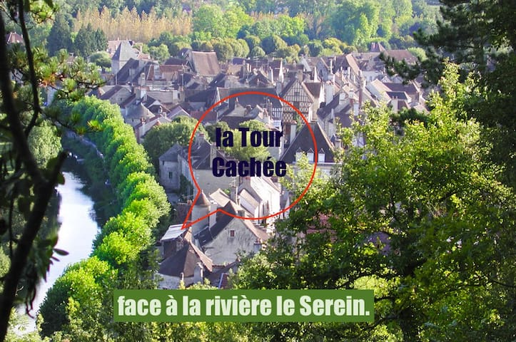 """Tour Cachée"" 1 to 15 pers. 5 rooms"
