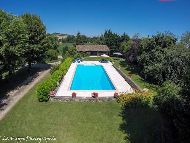 Luxury Holiday Home with Large Private Pool - Monclar - House