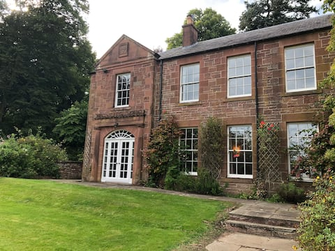 Delightful, Private Wing in Historic Country House