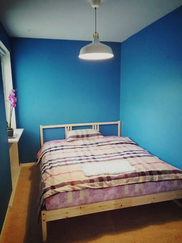 Nice room in Vallentuna,Stockholm,all you need - Vallentuna - Flat