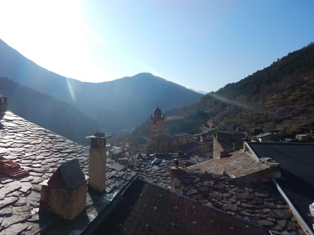 maison de village ensoleillée